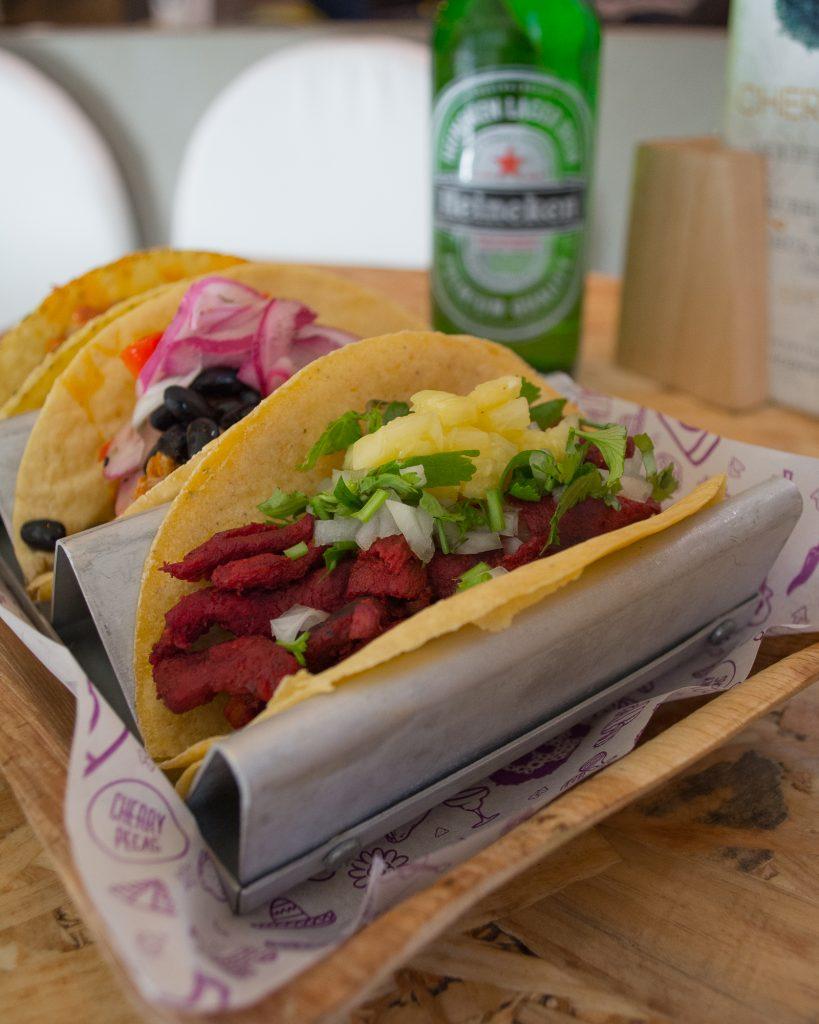 Tacos en el restaurante Cherry Pecas